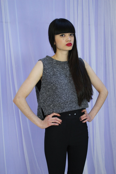 charcoal gray crop top THE WHITEPEPPER top