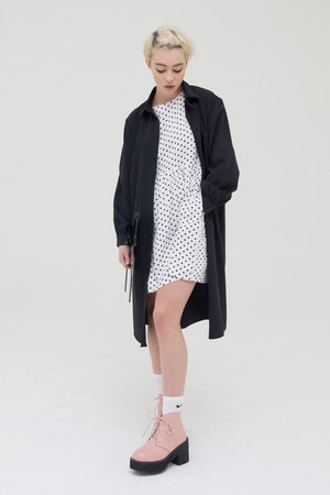 ivory THE WHITEPEPPER dress - black THE WHITEPEPPER dress - pink boots
