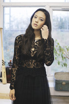Black-lace-the-whitepepper-top