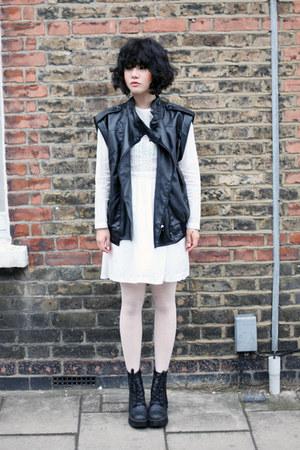 black waistcoat THE WHITEPEPPER jacket