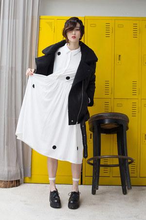 black THE WHITEPEPPER coat - black THE WHITEPEPPER shoes