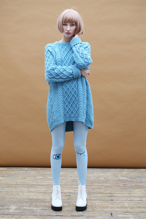 sky blue THE WHITEPEPPER jumper - white THE WHITEPEPPER boots