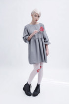 black THE WHITEPEPPER boots - heather gray THE WHITEPEPPER dress