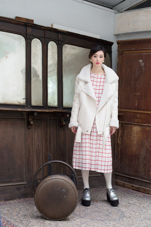 ivory THE WHITEPEPPER coat - silver THE WHITEPEPPER boots