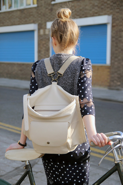 beige backpack THE WHITEPEPPER bag