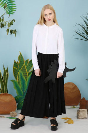 black THE WHITEPEPPER pants - white THE WHITEPEPPER shirt