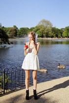 White-the-whitepepper-dress