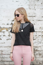 Black-mesh-the-whitepepper-top