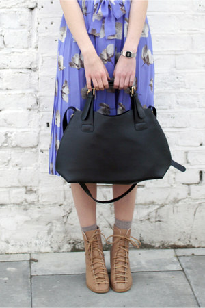 black THE WHITEPEPPER bag