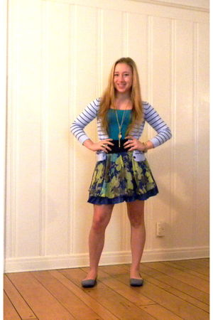 blue free people skirt - blue fsny shoes - blue H&M cardigan - blue C&C top - go