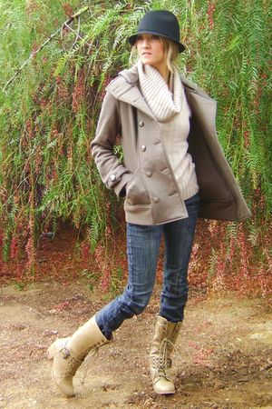 blue jeans - black hat - green jacket - beige sweater - beige boots