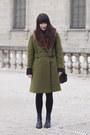 Black-vintage-boots-olive-green-vintage-coat