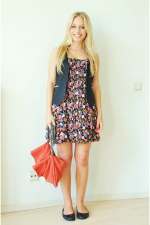 Zara dress - DIY vest - Zara accessories - Bijenkorf shoes