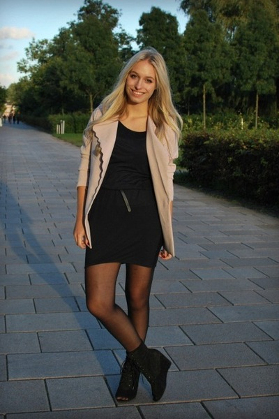 black LF stores shoes - black COS dress - beige Queens Wardrobe blazer
