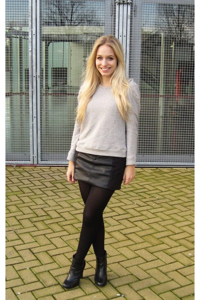 Black H&M Suede And Leather Mini Skirt | Chictopia