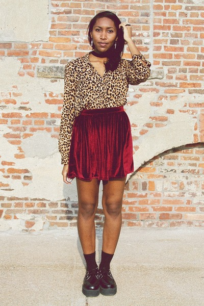 maroon velvet American Apparel skirt - black creepers TUK shoes