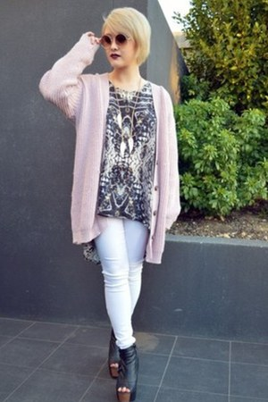 ee939b9ed3 knitted Boohoo cardigan - gradient Urban Outfitters sunglasses
