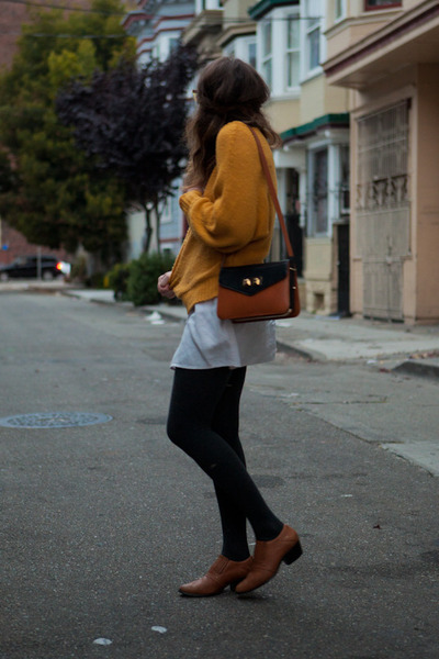 oversized Urban Outfitters sweater - ankle boots vintage shoes