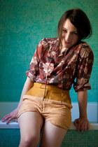 magenta vintage blouse - mustard leather-linen Shakuhachi shorts