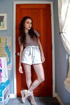 t-shirt - white belt - blue shorts - beige