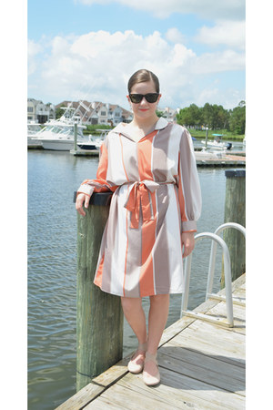 light orange silk Caron dress - dark brown ray-ban sunglasses