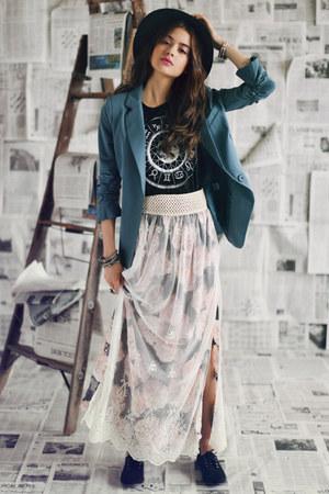 sky blue threadsence blazer - charcoal gray Gypsy Junkies skirt