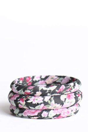 black floral printed bracelet