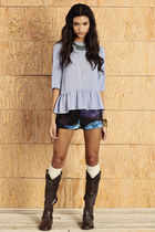 periwinkle top - dark brown boots - navy shorts - ivory necklace