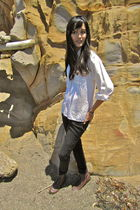 white vintage blouse - black jeans - brown shoes