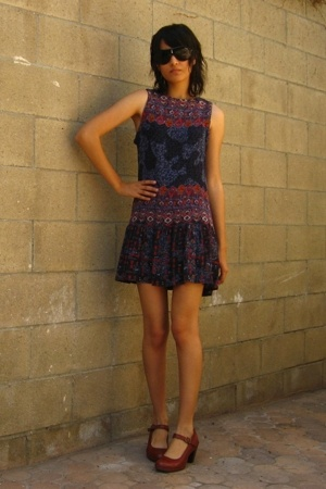 vintage dress - Clarks shoes