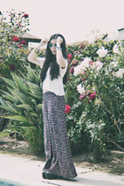 bubble gum wideleg floral Forever 21 pants - black lita Jeffrey Campbell shoes