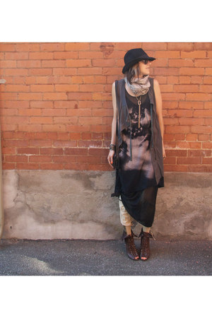 black Zara dress - brown leather Guess boots - black felt H&M hat