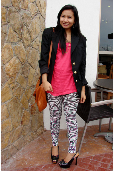 Solo over-sized shirt - zebra-print leggings - Mums blazer - Boutique from PRP p