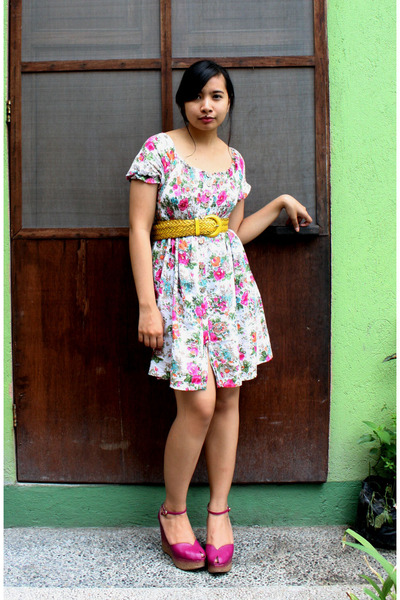 pink wedges Charles & Keith shoes - pink floral thrifted express dress