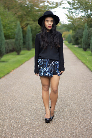 black H&M sweater - navy Primark shorts