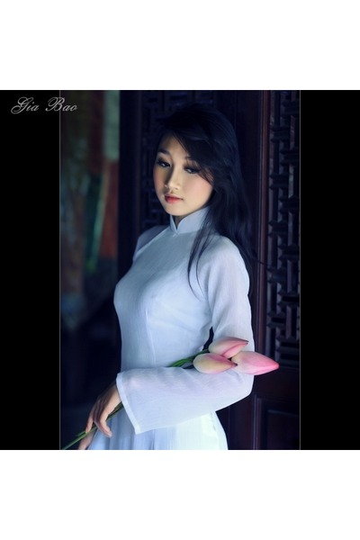 white dress - ivory pants