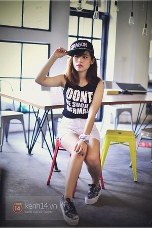 black top - dark gray shoes - black hat - white shorts