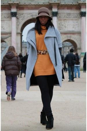 Zara coat - Uniqlo hat