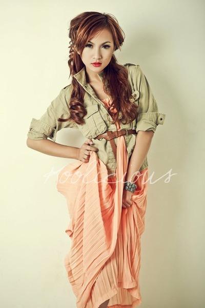 orange dress - beige accessories