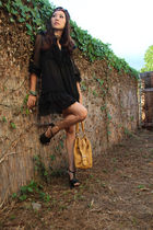 gold woven bag unknown brand bag - black dani platforms Jessica Simpson shoes