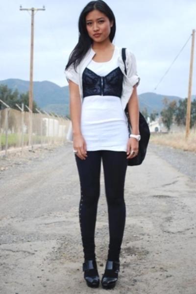 bra - blouse - leggings - shoes - bracelet