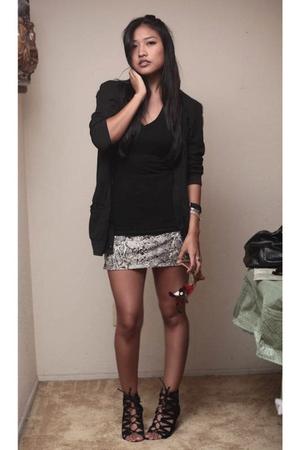 t-shirt - jacket - skirt - shoes