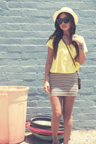 f21 hat - H&M shirt - vintage bag - H&M skirt