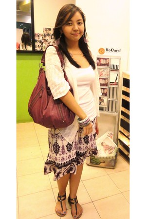 deep purple boho skirt - purple leather Terranova bag - white tank Terranova top