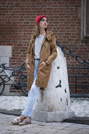 red merino wool Tenderside hat - bronze asos coat - New Dress t-shirt