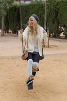 white H&M sweater - black faux fur sammydress boots