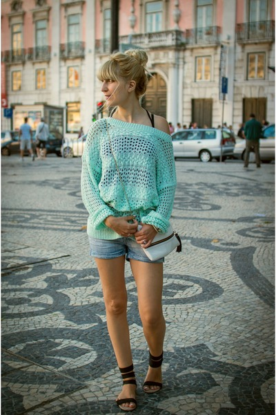 sky blue denim shorts Terranova shorts - aquamarine oversized c&a sweater