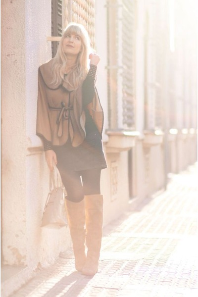 camel Zara boots - beige Primark bag - black mini skirt Lefties skirt