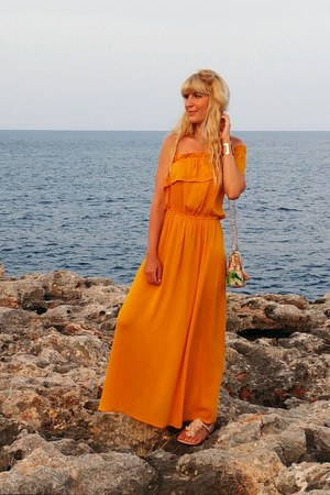 mustard maxi dress Primark dress - eggshell floral print Fórmula joven bag