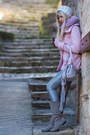 Heather-gray-suede-aldo-boots-light-pink-h-m-coat